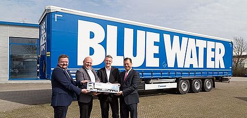 500. KRONE Trailer an Blue Water Group
