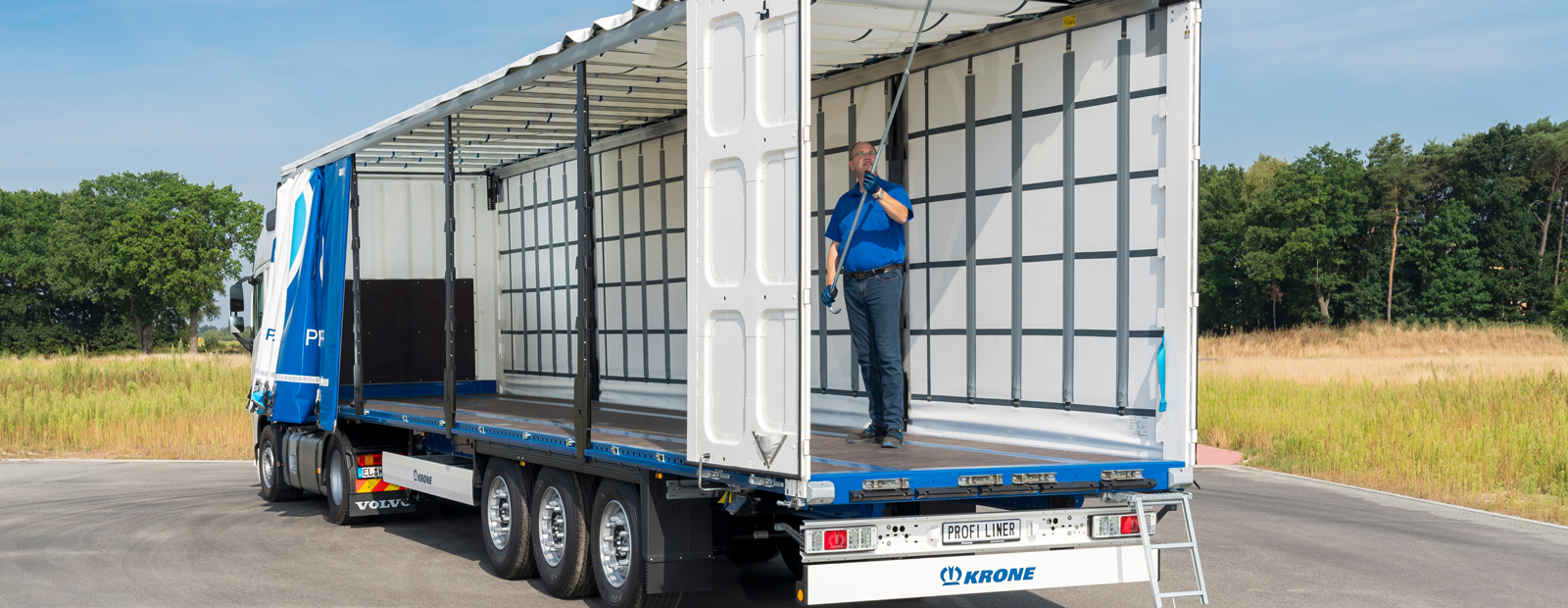 One for all: The Krone Profi Liner with Safe Curtain