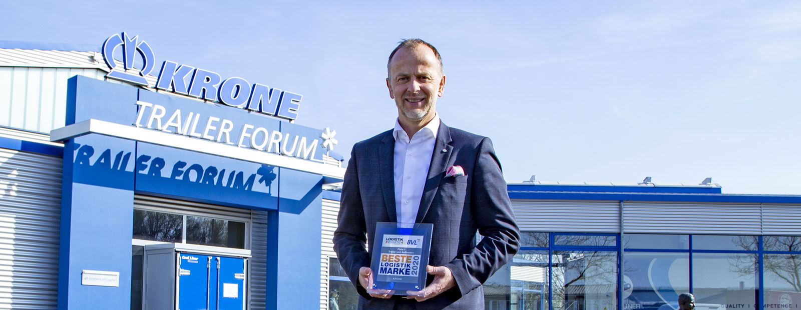 "Krone wins ""Best logistics brand for trailers and bodies"""