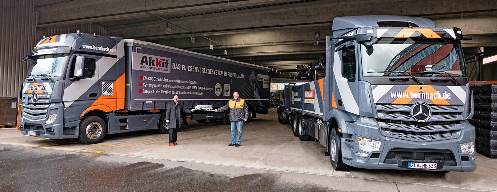 Hornbach receives further transport equipment from Krone