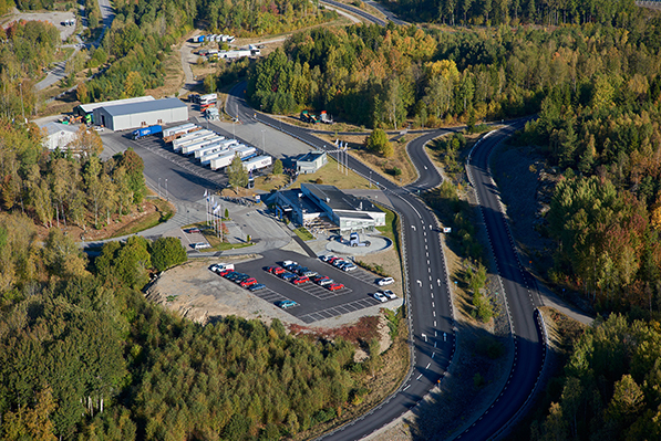 Visitors from all over the world experience Krone trailers with Scania tractors at the Swedish test and demo centre near Södertälje